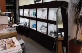 オリジナルデザインの展示用什器