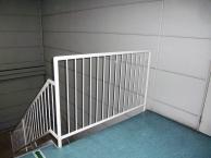 階段手摺塗装工事施工後